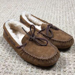 UGG women's Dakota wool lined suede slippers 7